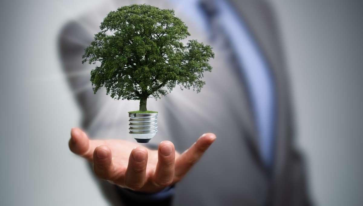 Lianne Mack en Sven Ringelberg (gemeente Rotterdam) over duurzame energie met minder schulden
